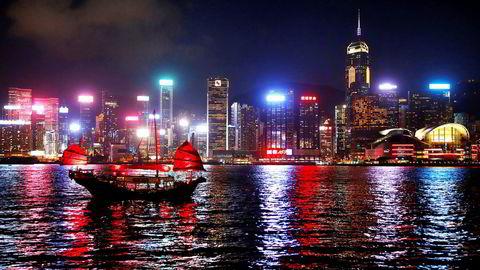 Ifølge en undersøkelse foretatt av Hotel, Food and Beverage Employees Association har 77 prosent av hotellansatte  i Hongkong blitt bedt om å ta fri uten lønn.