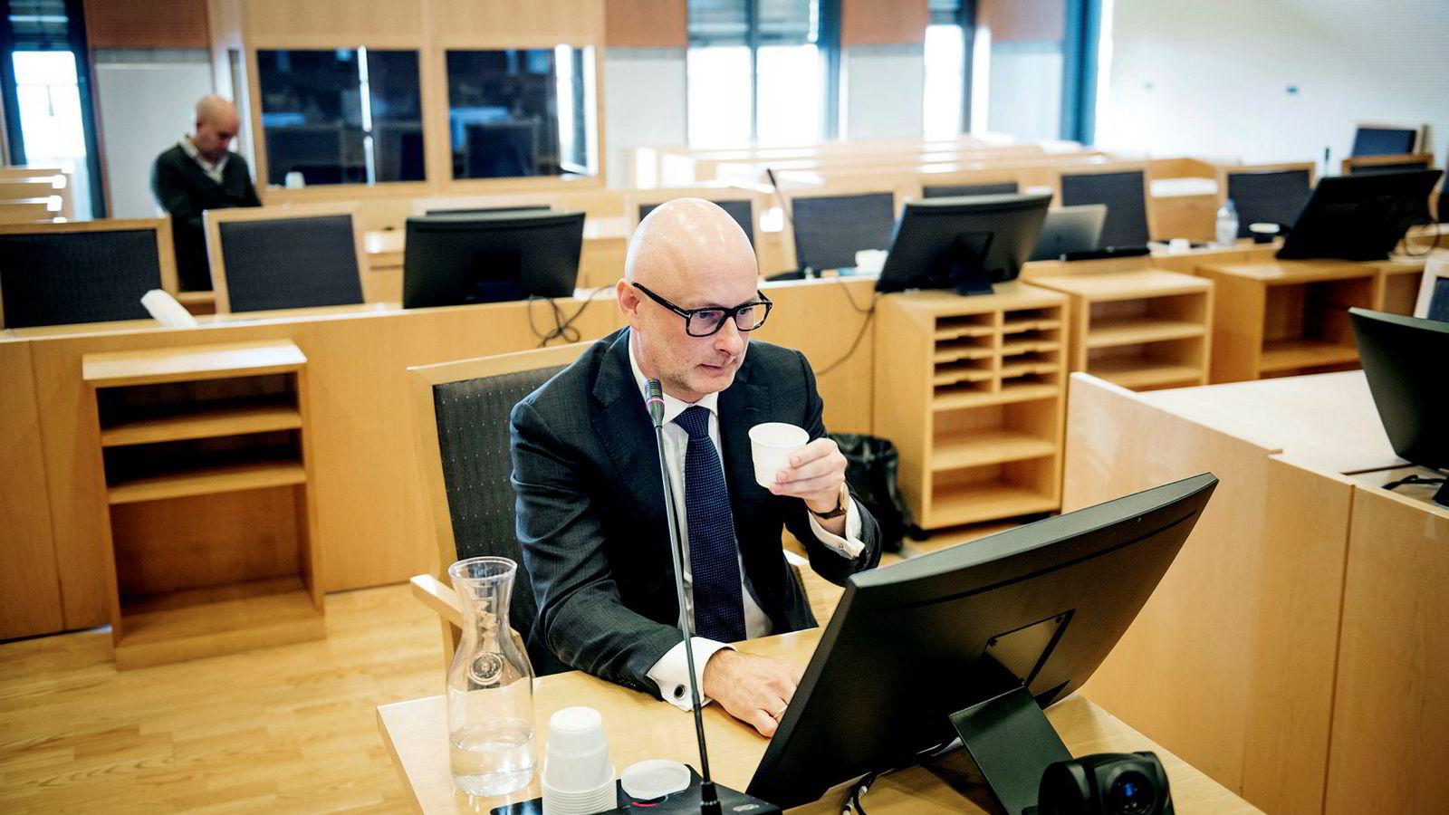 Det var Pareto-toppsjefen selv, Ole Henrik Bjørge, som måtte i vitneboksen onsdag i Økokrim-saken hvor to av hans tidligere medarbeidere står tiltalt.