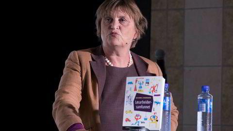 Elin Ørjasæter har sammen med Line Eldring skrevet boken «Løsarbeidersamfunnet», som ble presentert under Arendalsuka.