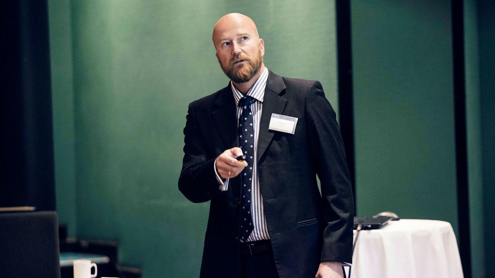 Tidligere oljeanalytiker Torbjørn Kjus blir sjeføkonom i Aker asa fra 30. januar