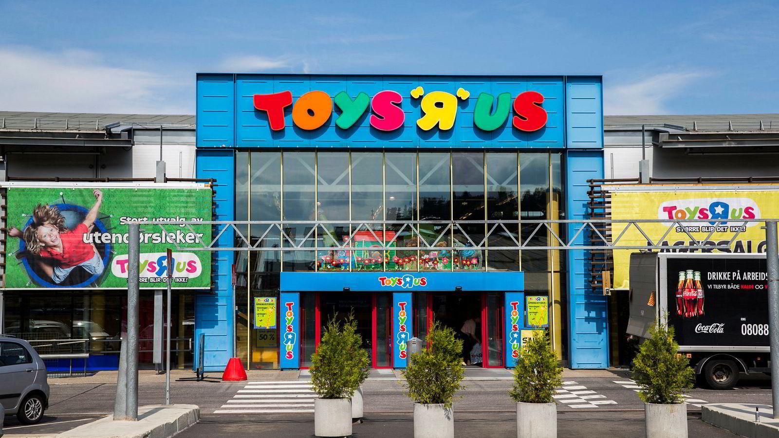 Det danske selskapet Top-Toy, som eier leketøyskjedene Toys ' R' Us og BR-leker i Norden, venter et negativt driftsresultat på 149 millioner danske kroner. Her inngangspartiet til «Toys 'R' Us» på Alna Senter, Oslo.