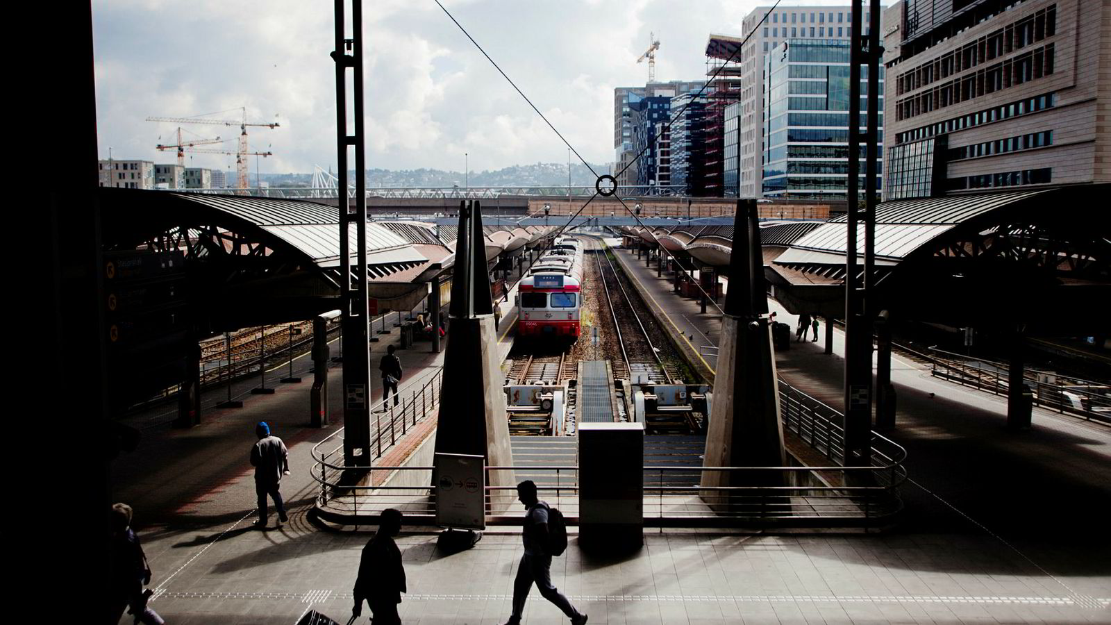 Konkret mener vi at det er grunnlag for å likestille reisetid med passivt arbeid i arbeidslivet.