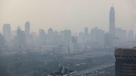 Bangkok har vært en av verdens mest forurensede byer i tiår. Nå er det blitt verre. Forurensningen onsdag ettermiddag var nesten fire ganger høyere enn hva som blir ansett som «farlig».
