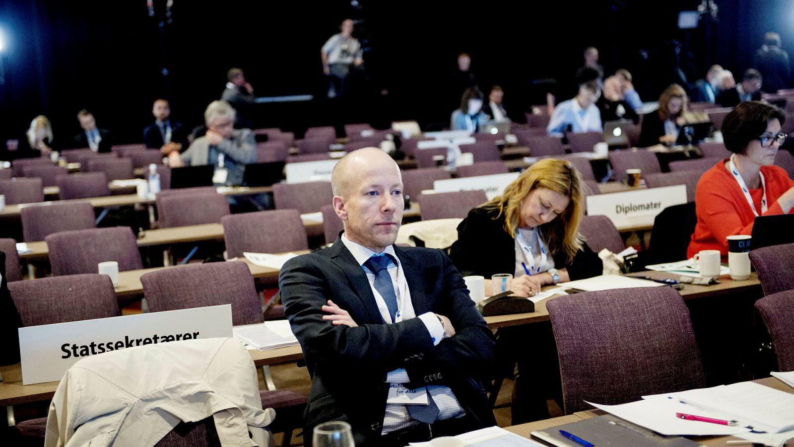 Lars Øy er den eneste statssekretæren ved Statsministerens kontor som har sittet der siden starten i 2013. Ingen har bedre oversikt over de andre partienes smertepunkter enn ham.