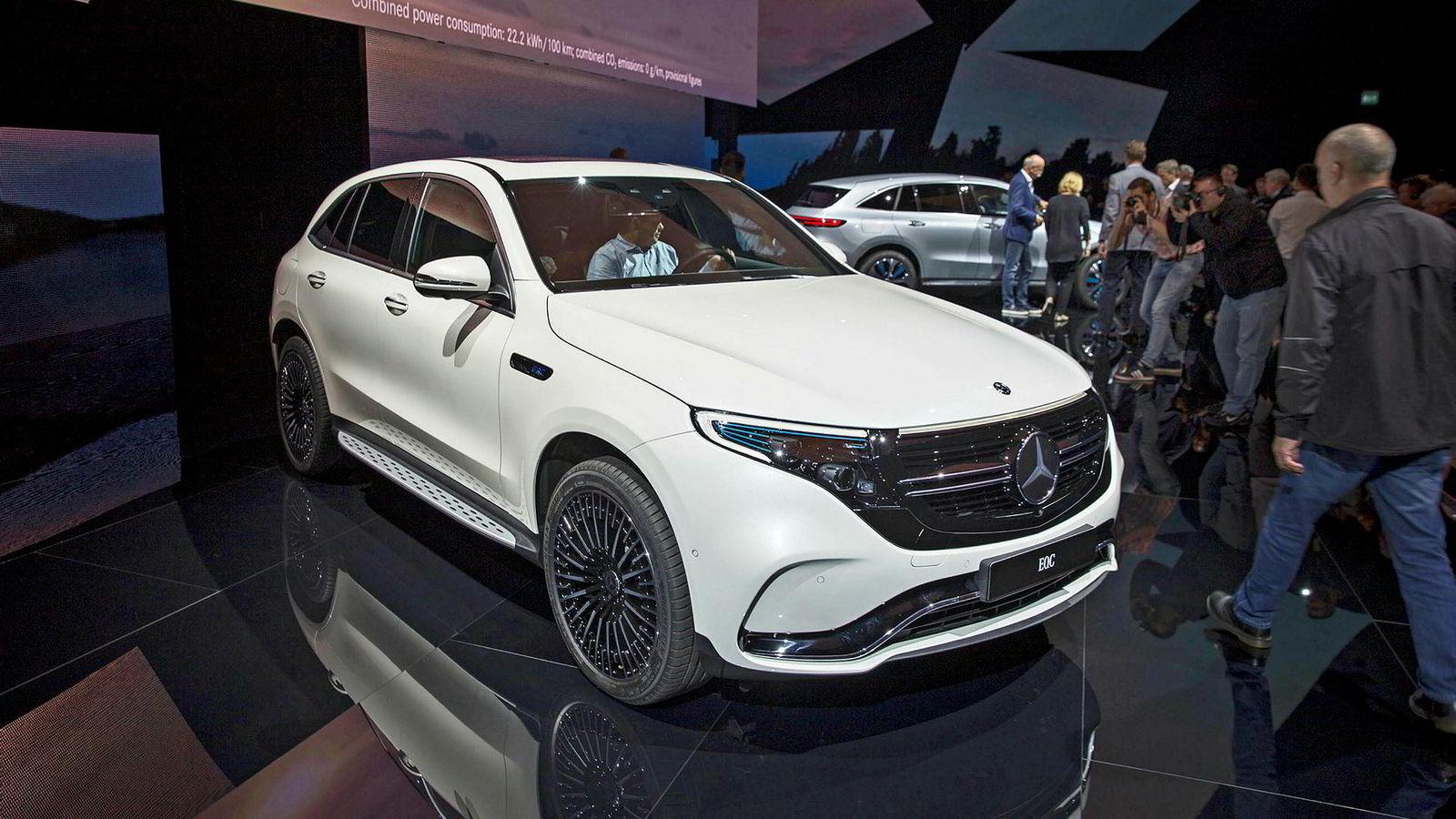 Mercedes-Benz EQC var populær allerede under avdukningen i Stockholm. Importøren har allerede over 2000 nordmenn på venteliste.