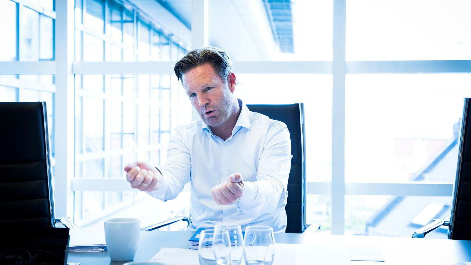 Jørgen Pleym Ulvness har de siste årene solgt og kjøpt de samme selskapene.