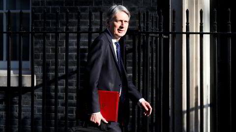 Finansminister Philip Hammond åpner opp for ny splid i regjeringen med å åpne for en ny folkeavstemning.