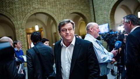 Frps parlamentariske leder Harald Tom Nesvik mener Jonas Gahr Støre er mer arrogant enn på lenge