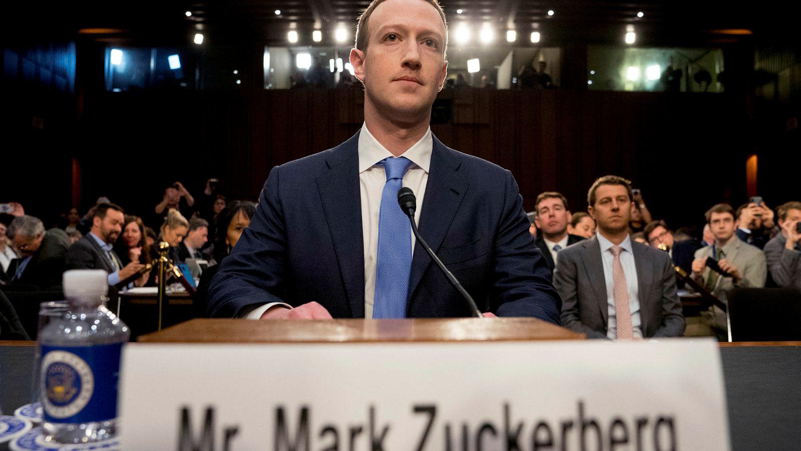 Facebook toppsjef Mark Zuckerberg forklarte seg i april om misbruk av Facebook-data i det amerikanske valget i 2016 i en høring i den amerikanske kongressen.