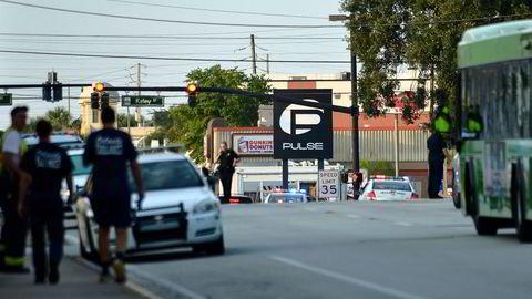 Nattklubben Pulse delte denne meldingen på sine facebooksider: «Kom dere ut av Pulse og fortsett å løpe» Foto: Kevin Kolczynski/Reuters/NTB Scanpix