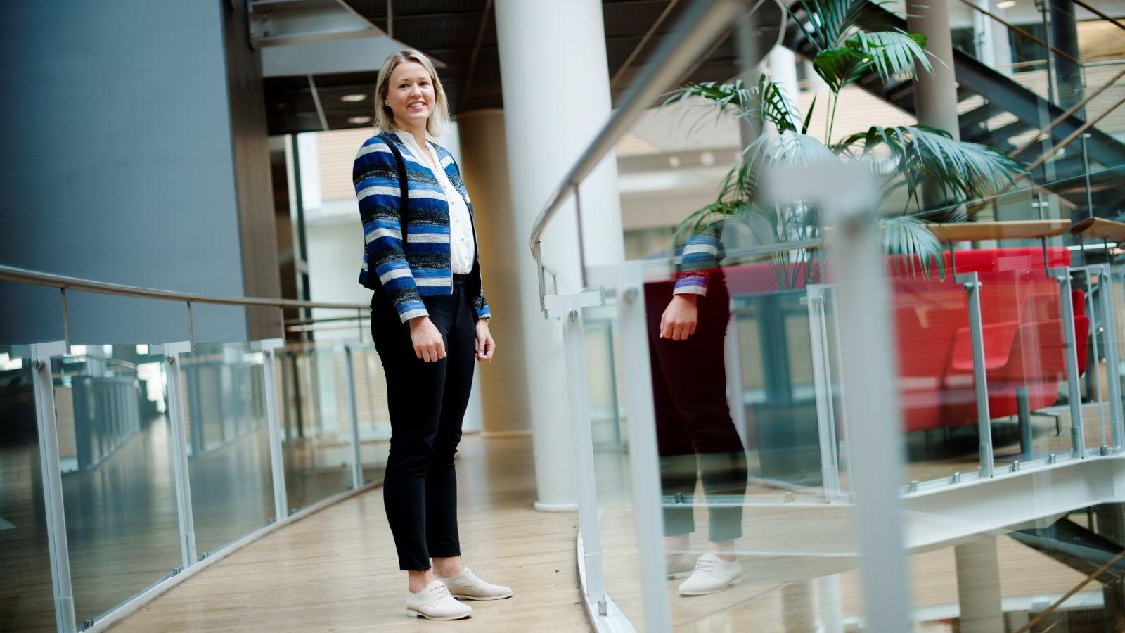TRAFF BLINK: - Jeg trives veldig godt, sier Thea Marie Nygård om jobben hun fikk ett år før hun var ferdig med utdannelsen.