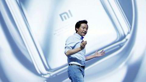 Xiaomis grunnlegger Lei Jun lover å selge smarttelefoner med syltynne marginer – under fem prosent etter børsnoteringen i Hong Kong. På under åtte år er Xiaomi blitt verdens fjerde største smarttelefonprodusent.