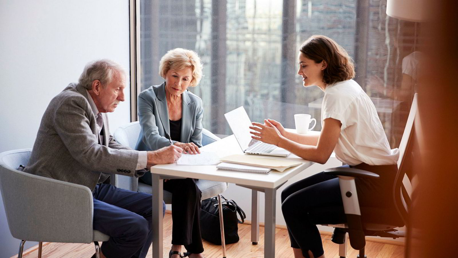 Med digitale testamenter kan det bli vanskelig å føre bevis for at andre enn testator har opprettet testamentet, eller for at testator er blitt utsatt for utilbørlig press.