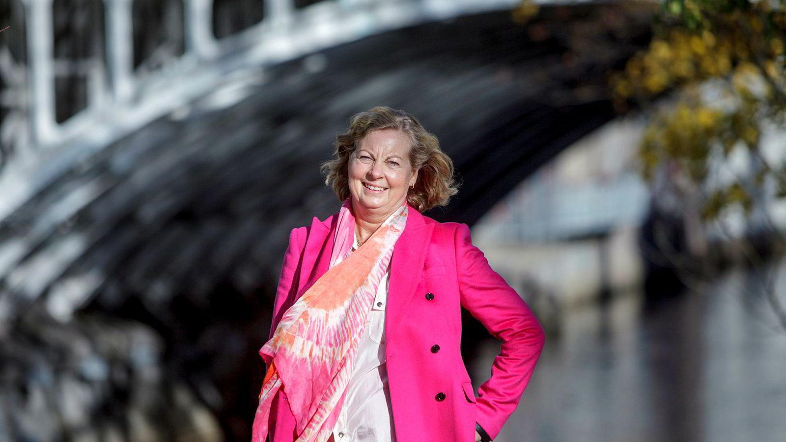 Tidligere konserndirektør i Telenor, Berit Svendsen, snakket om flere stormer hun har stått i på en konferanse torsdag.