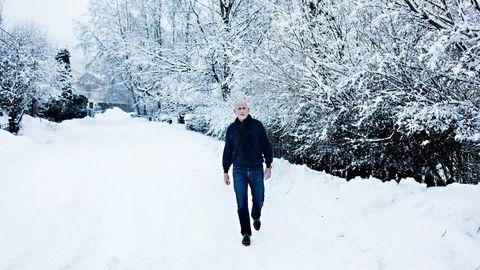 Investor Peter Warren tar et oppgjør med tidligere kolleger i retten. Etter en skitur søndag dro han hjem til advokaten ved Holmenkollen i Oslo. Foto: Fredrik Bjerknes