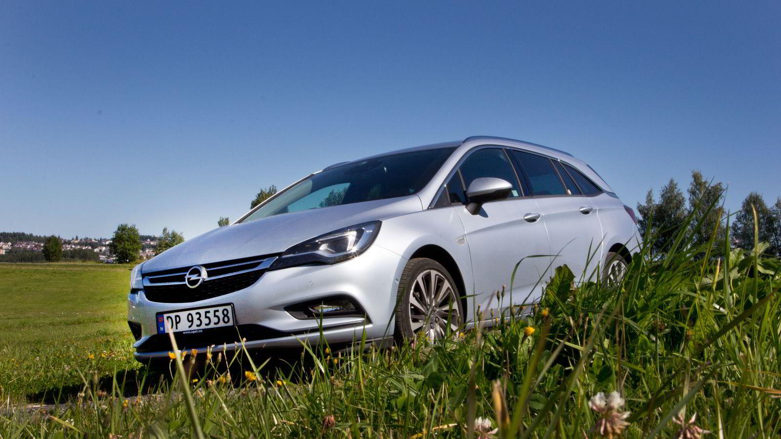 Utseendemessig er ikke Opel Astra av de mest spennende, men en omfattende slankekur hjelper på appellen.