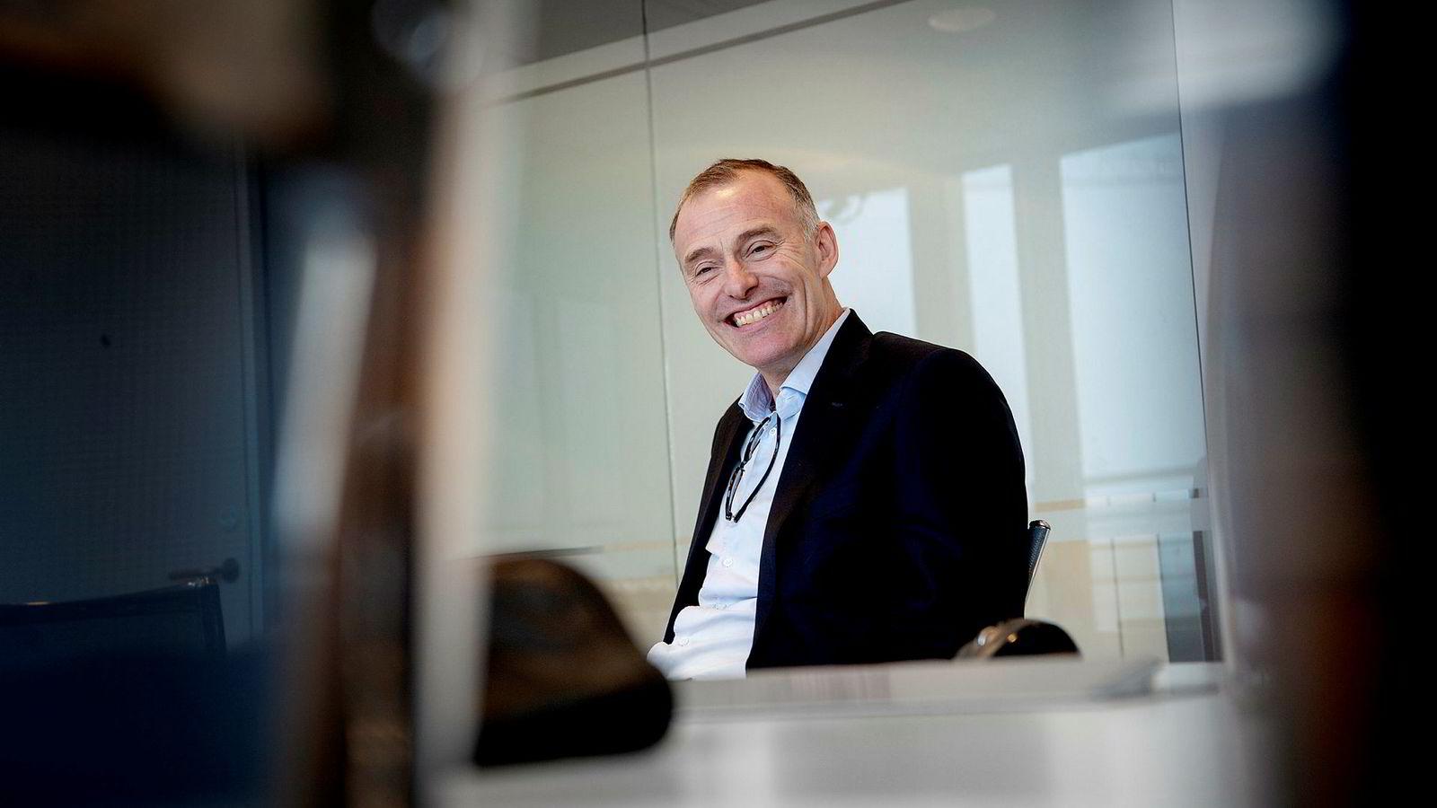 En smilende Petter Dragesund ble frikjent i Severstal-saken i februar i år.
