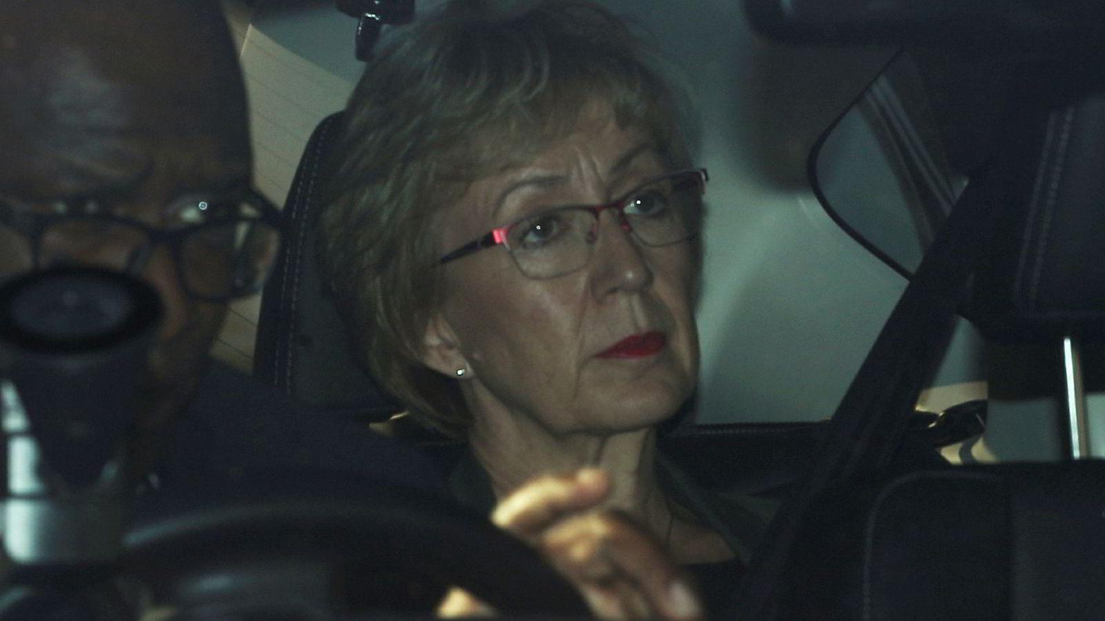 Andrea Leadsom, Det konservative partiets leder i parlamentet, trekker seg fordi hun ikke lenger har tros på statsminister Theresa Mays brexit-strategi.