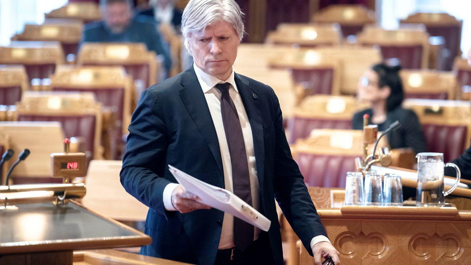 Norges klima- og miljøminister Ola Elvestuen vil binde Norge til EU i spørsmålene om klimakutt