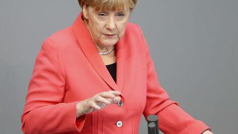 STRID. Den store flyktningstrømmen mot Tyskland har ført til en opprivende politisk strid i den tyske statsminister Angela Merkels eget kristeligdemokratiske parti. Måten Merkel har håndtert flyktningstrømmen på er ventet å bli tema på CDUs landsmøte mandag. FOTO: REUTERS/Hannibal Hanschke