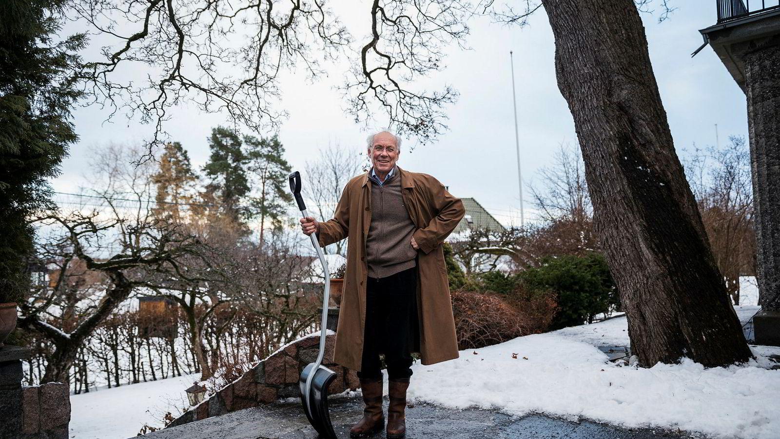 BI-professor Jørgen Randers (73) mener eldre må stå lengre i jobb i fremtiden. – Men jeg skjønner at de som har en tung eller fryktelig kjedelig jobb vil gå av tidlig, sier han.