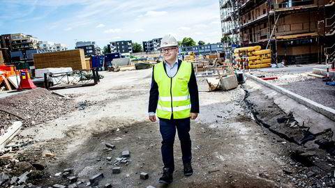 Administrerende direktør Baard Schumann i Selvaag Bolig tror på boligmarkedet, men vil likevel bygge færre boliger. Foto: Klaudia Lech