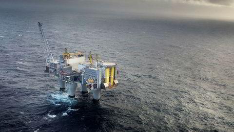 Like øst for Troll-feltet ønsker Statoil å lagre CO2 i undergrunnen som ledd i regjeringens fullskala CO2-fangst-og-lagrings-prosjekt. Lageret vil kreve et par brønner koblet til et landanlegg. Foto: Eivind Senneset