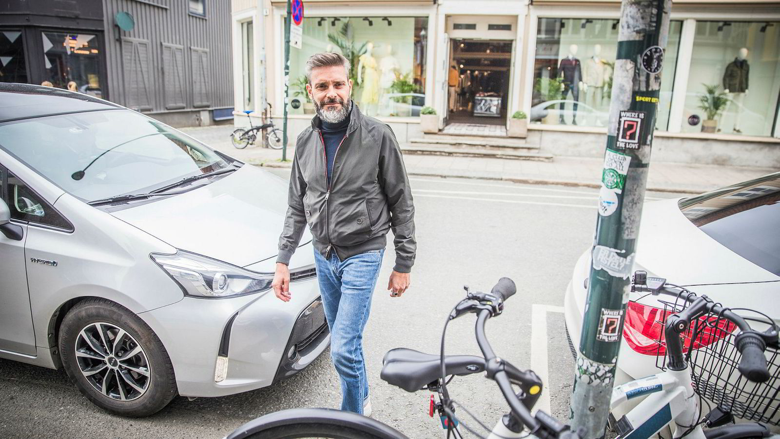 En av fire parkeringsplasser har forsvunnet fra Trondheim sentrum siden 2011. Jørgen Sagmo i Retro mener at ikke alle tiltakene for å skape et mer aktivt byliv har fungert.