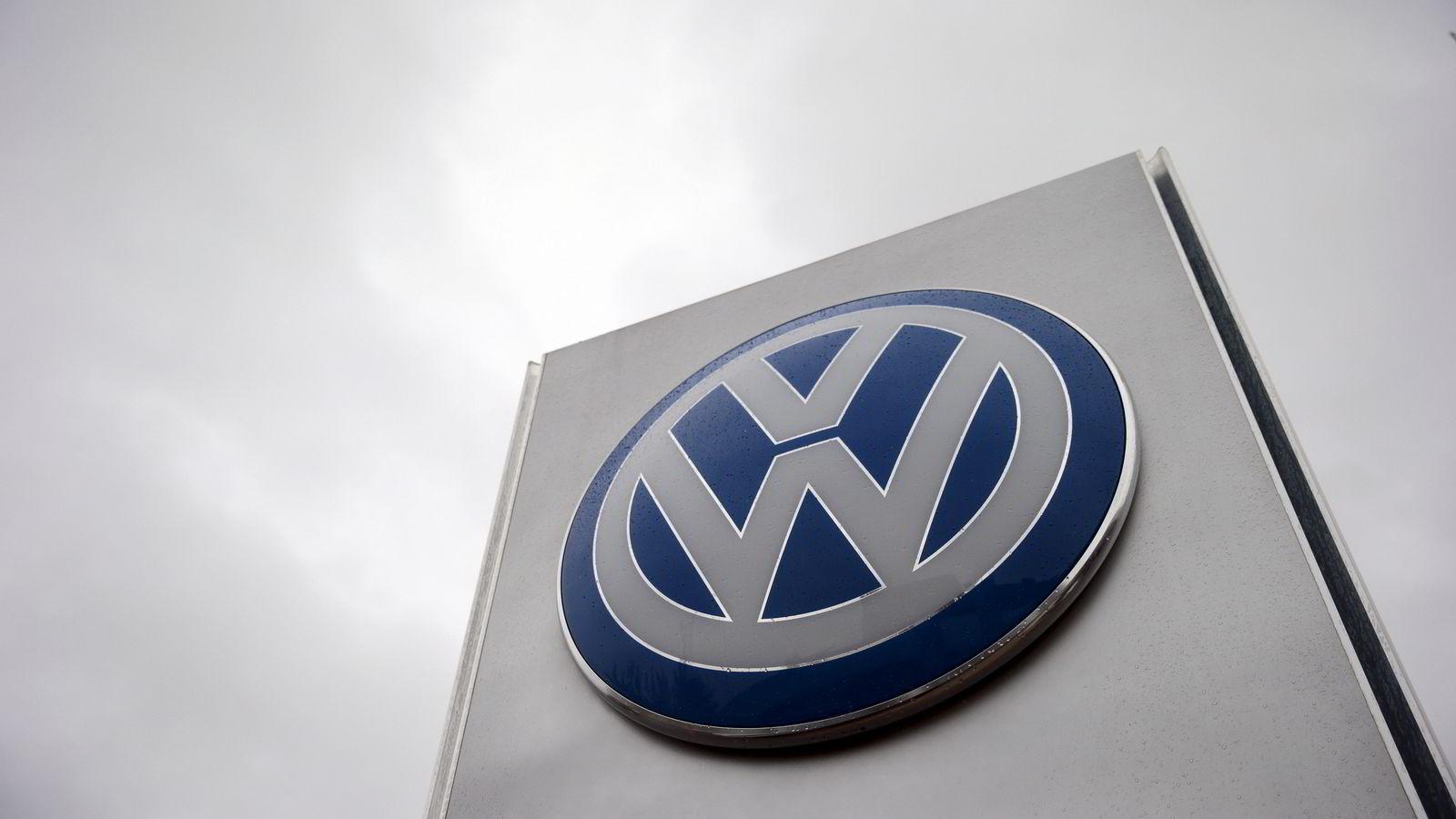 Den tyske bilprodusenten Volkswagen (VW) har informert amerikanske myndigheter om at utslippsjukset knyttet til SUV-er og luksusbiler kan strekke seg tilbake til 2009. Foto: Suzanne Plunkett / Reuters / NTB scanpix