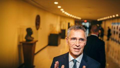 NATOs generalsekretær Jens Stoltenberg legger frem tall som er skreddersydd for USAs president Donald Trump.