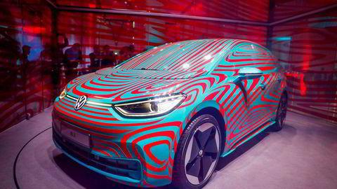 Denne uken viste Volkswagen denne kamuflerte versjonen av sin kommende elbil ID.3 i Berlin.