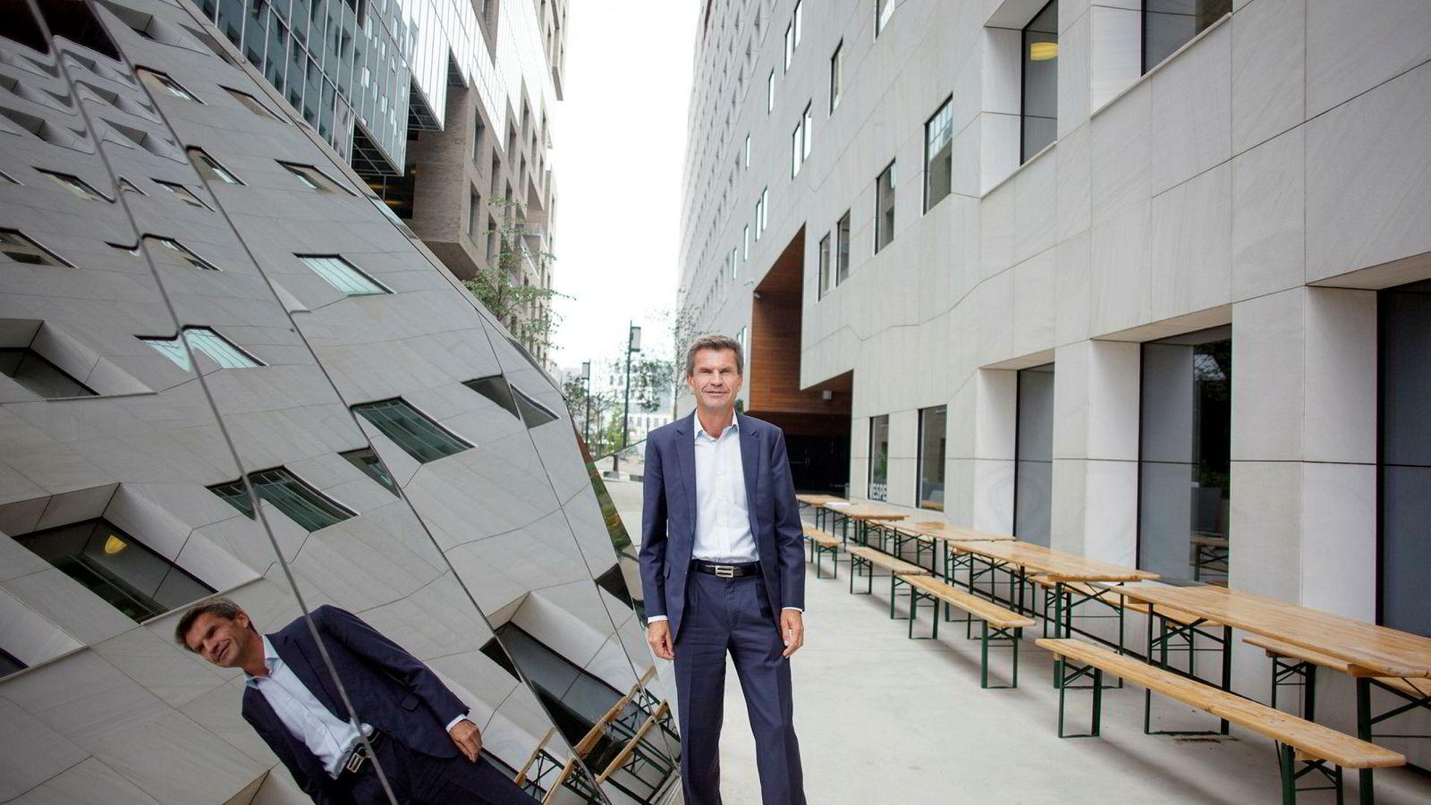 DNB Markets-sjef Ottar Ertzeid bommer kraftig på Rune Bjerkes milliardmål i 2018.