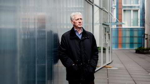 Porteføljeforvalter Sigmund Håland vil ikke at skattebetalerne skal plukke opp bankenes regninger. Foto: Tommy Ellingsen
