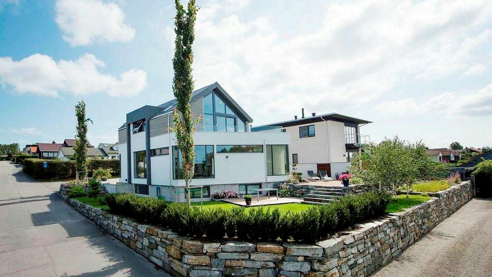Nå kommer høysesongen for boligslippet av familie- og eneboliger. Bildet viser en enebolig i Hafrsfjord.