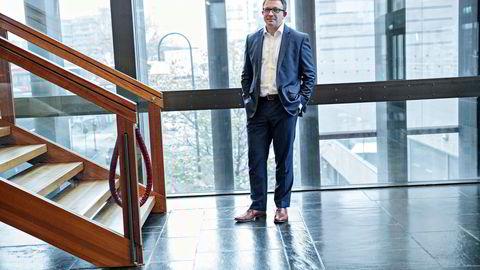 Karl Johnny Hersvik leder Kjell Inge Røkkes oljeselskap Aker BP, og har større forståelse for oljeleverandørenes bekymringer enn de fleste. Her på vei ut fra DNs energikonferanse tirsdag. Foto: Aleksander Nordahl