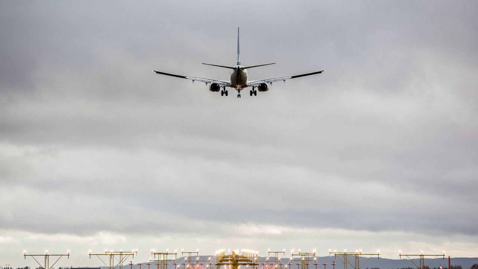 Nordmenn er ikke særlig lystne på å kutte ned på antall flyreiser for å spare miljøet.