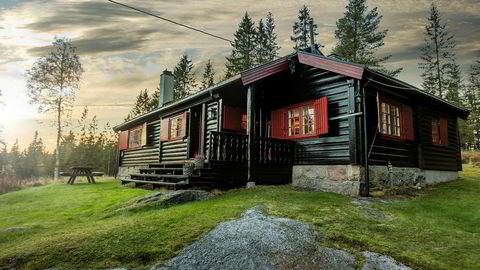 Mange drømmer om hytte i Marka. Denne hytta ved Ørfiske ble nylig solgt til prisantydning på 4,25 millioner kroner. Foto: Studio Oslo/ Sem & Johnsen