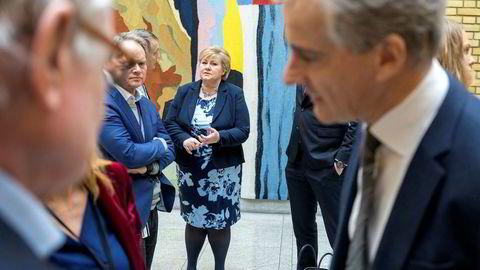– Norge har fått en blå-blå-blå regjering med Venstres inntreden, sier Ap-leder Jonas Gahr Støre etter statsminister Erna Solbergs (H) redegjørelse om regjeringsplattformen i Stortinget tirsdag.