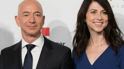 Amazon-grunnlegger Jeff Bezos og konen MacKenzie Bezos skilles etter 25 år.