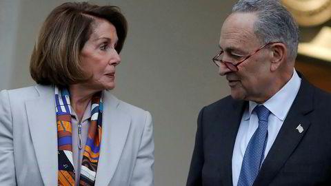Demokratenes gruppeleder i Representantenes hus, Nancy Pelosi, og Demokratenes leder i Senatet, Chuck Schumer, kom ikke til enighet med president Donald Trump for å få slutt på nedstengningen av statsapparatet i USA.