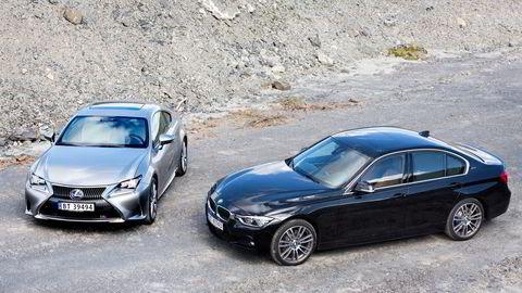 Lexus troner på AutoIndex-toppen for femte år på rad. BMW har de nest mest fornøyde eierne. Her er hybridene Lexus RC 300h og BMW 330e (til høyre). Foto: Marte Christensen