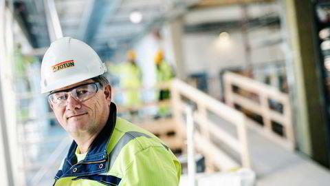 – Skulle brexit gi oss store problemer kan vi flytte produksjonen andre steder, sier konsernsjef Morten Fon, i Jotun.