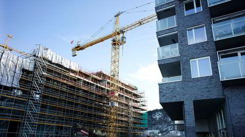Politikerne må tillate at det bygges høyere og tettere i byen, skriver artikkelforfatteren. Foto: Per Ståle Bugjerde