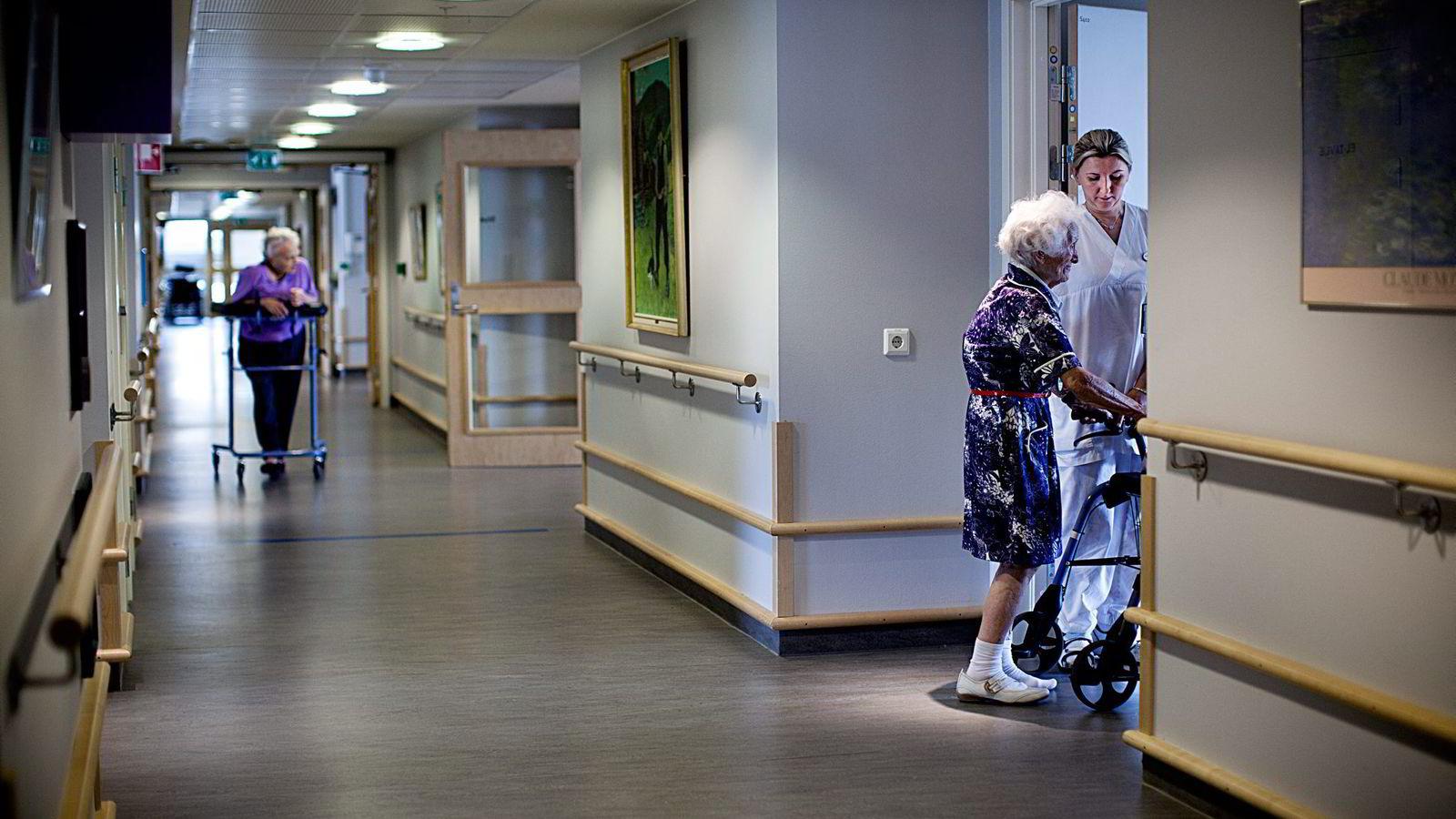 «Det er mange likheter mellom reformen i England og innføringen av fritt sykehusvalg i Norge», skriver kronikkforfatteren. Bildet er fra et sykehjem i Norge. Foto: