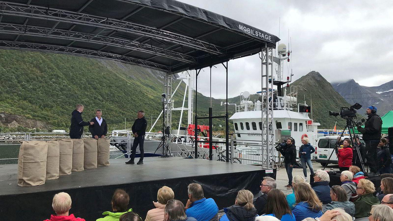 Sp-leder Trygve Slagsvold Vedum (til venstre) møtte Ap-nestleder Bjørnar Skjæran til debatt under Husøydagan – Nord-Norges svar på Arendalsuka – i helgen.