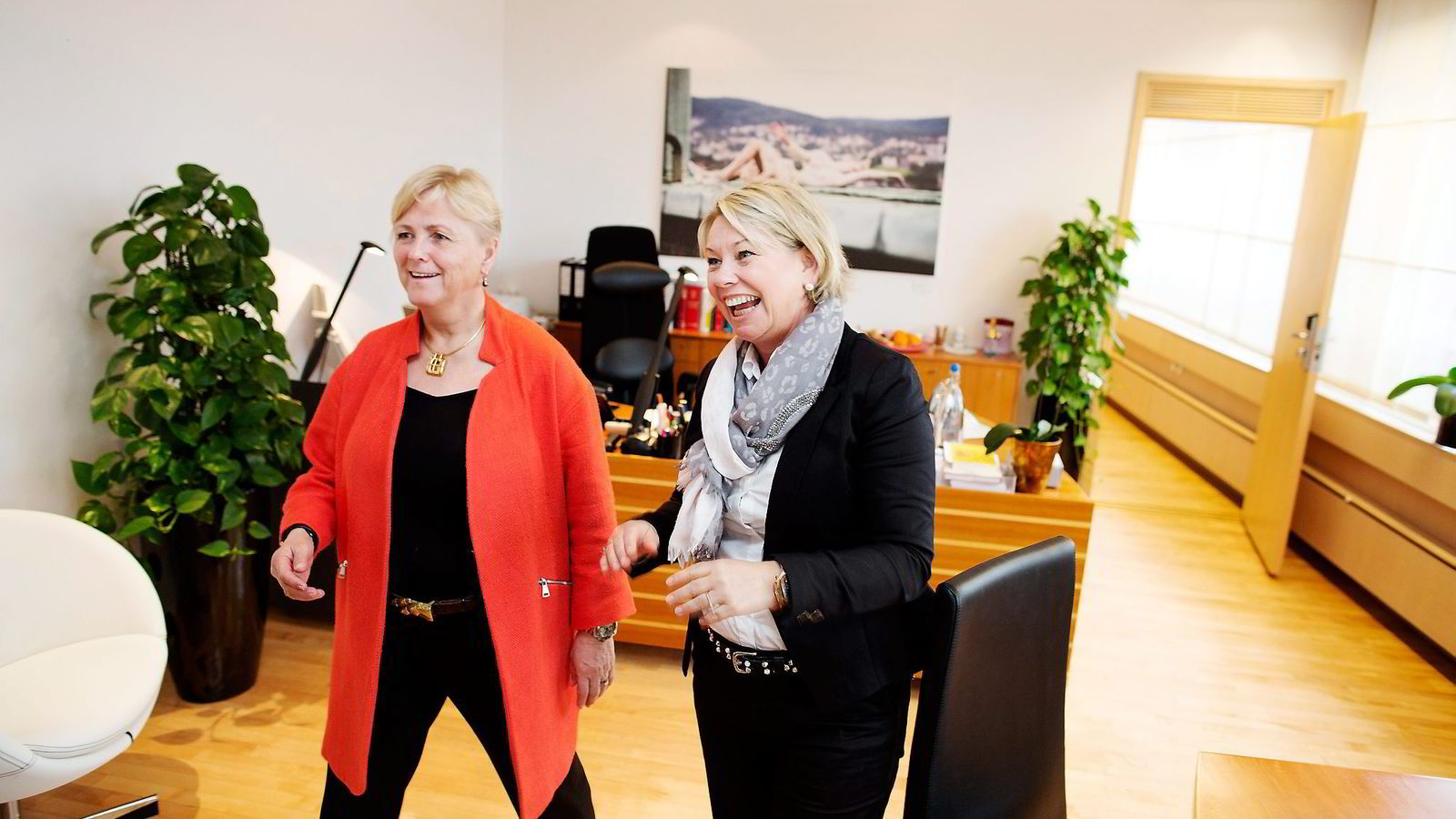 Venninner eller bekjente? Næringsminister Monica Mæland og tidligere kulturminister Thorhild Widvey. Foto: