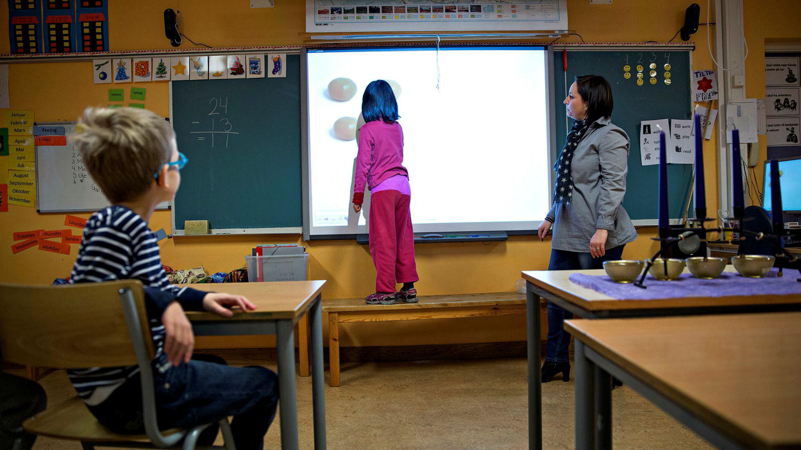 Læreren er viktigst for læring. Punktum. Derfor vil Arbeiderpartiet ha flere lærere og fortsatt stor satsing på etter- og videreutdanning.