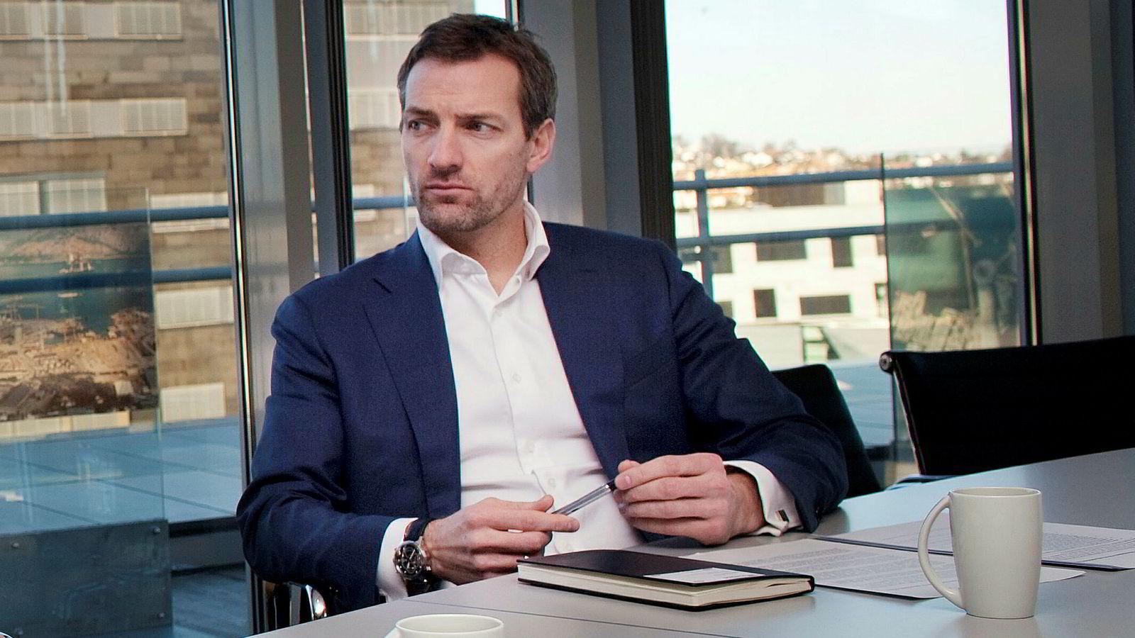 William Wittusen i HitecVision-eide Asset Buyout Partners kjøper Norges største oljebase på Mongstad av EQT for rundt 4 milliarder kroner.