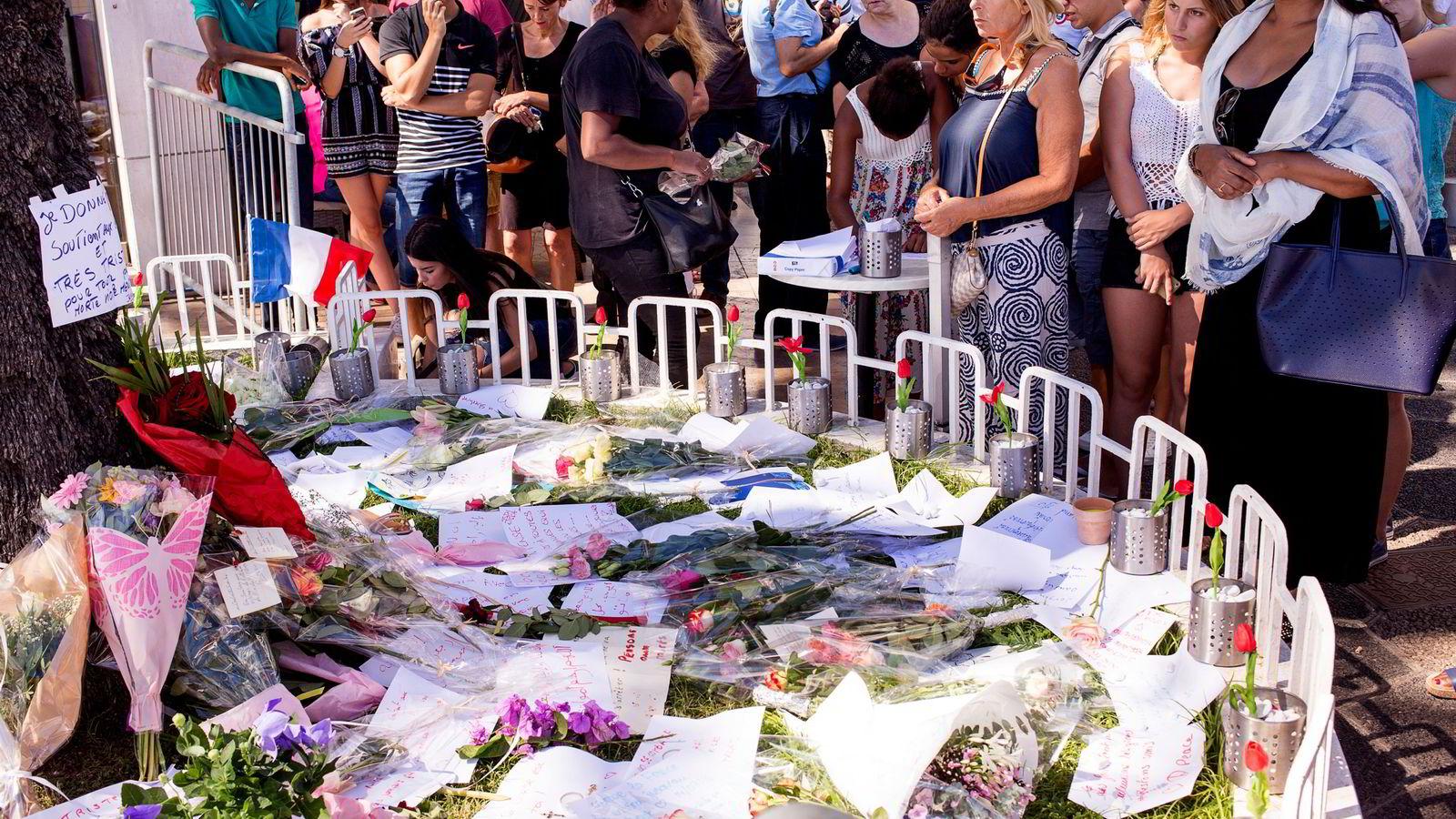 Frankrike har måttet betale en høy pris de siste par årene, og det er tungt at våre franske venner skal måtte gå gjennom en slik tragedie på ny.