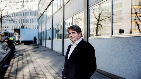– Det har vært noen blytunge dager. Det kan virke som det er mange som har glemt kalkulatoren hjemme, sier Jan Petter Sissener etter at fondet han forvalter de siste dagene har brent seg stygt på Norwegian-aksjen.